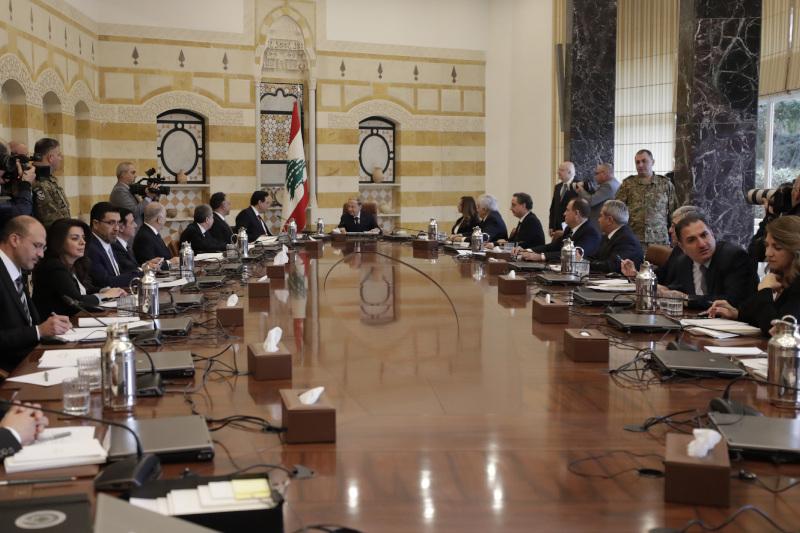 Στιγμιότυπο από την πρώτη συνεδρίαση του νέου υπουργικού Συμβουλίου