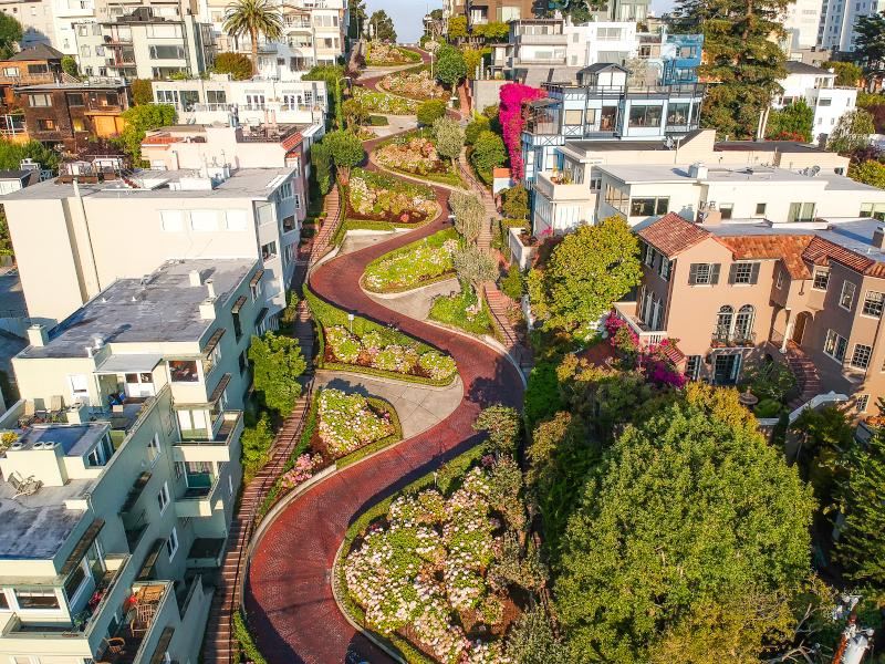 Η Λόμπαρντ Στριτ, ο φιδογυριστός δρόμος στο Σαν Φρανσίσκο