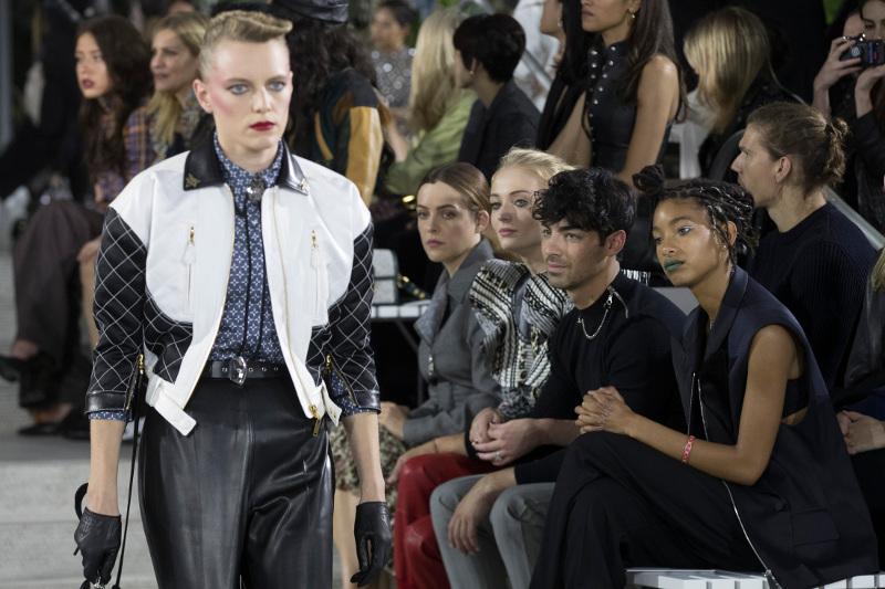 Πασαρέλα για τη νέα κολεξιόν του Louis Vuitton / Φωτογραφία: AP
