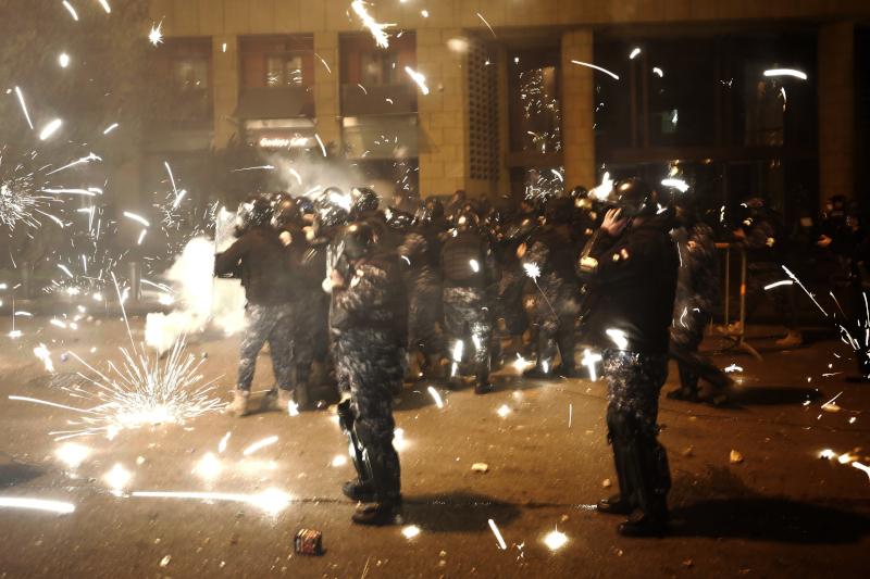 Συγκρούσεις μεταξύ διαδηλωτών και αστυνομίας στο Λίβανο
