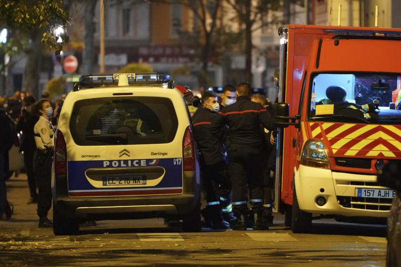 Οι Αρχές εξαπέλυσαν ανθρωποκυνηγητό για την σύλληψη του δράστη της επίθεσης στον ιερέα στην Λυών