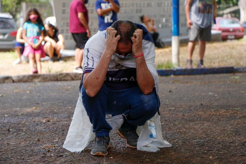 Στην Αργεντινή ο κόσμος βγήκε στους δρόμους και κλαίει