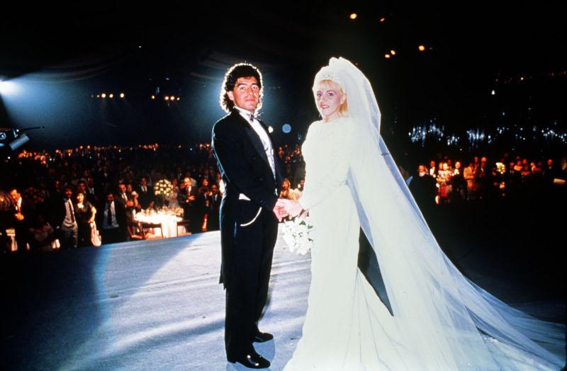 Ο Ντιέγκο Μαραντόνα στον γάμο του με την Κλόντια Βιλαφάνε