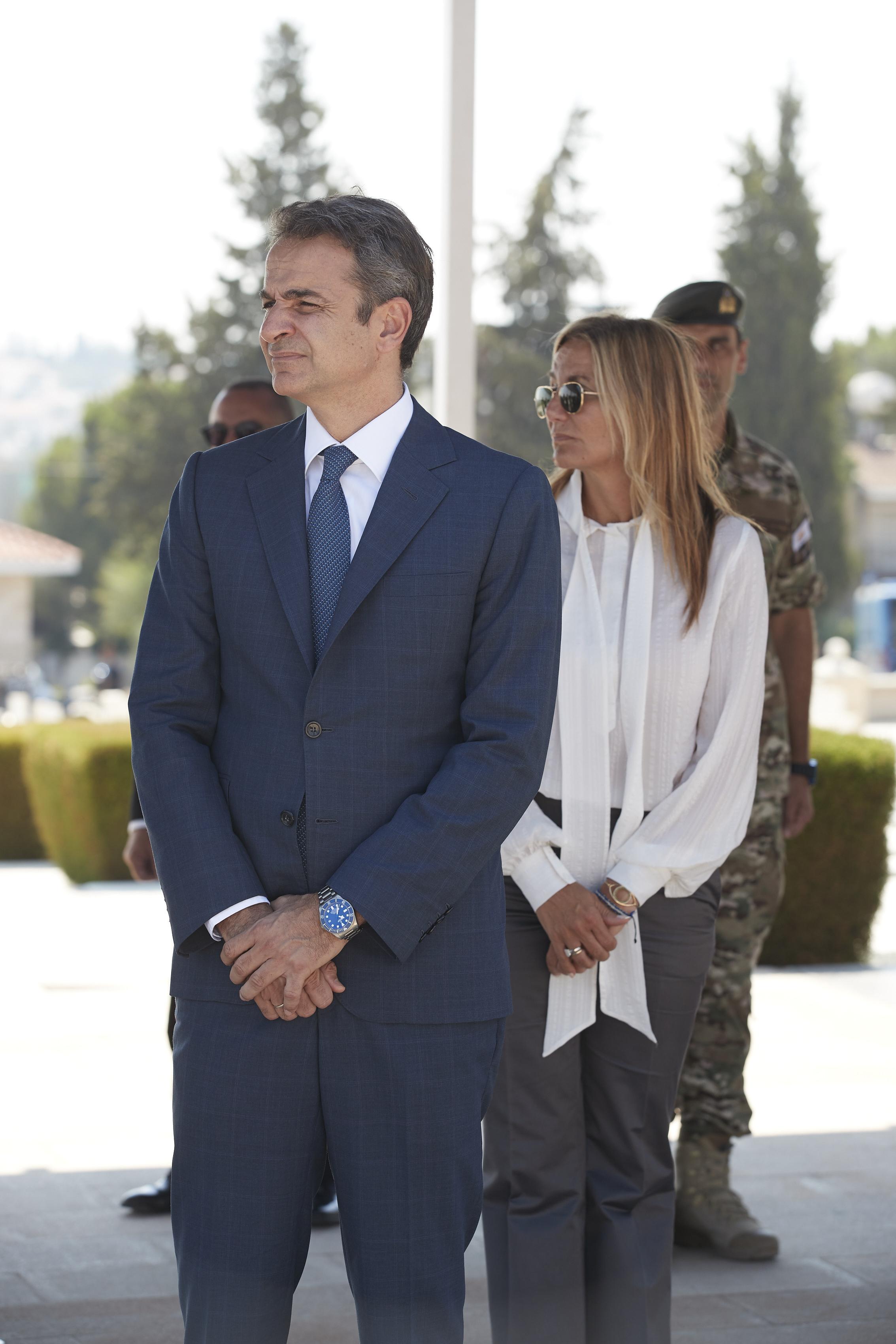 Ο Κυριάκος με τη σύζυγό του Μαρέβα, κατά την επίσκεψή τους στην Κύπρο