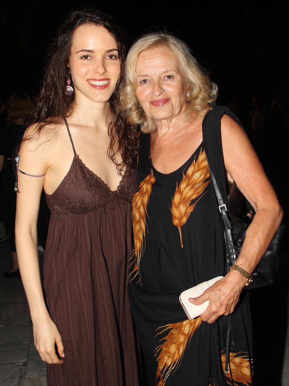 Η Μαριαλένα Ροζάκη με την μητέρα της Ιλιάς Λαμπρίδου σε παλιότερη δημόσια εμφάνισή τους