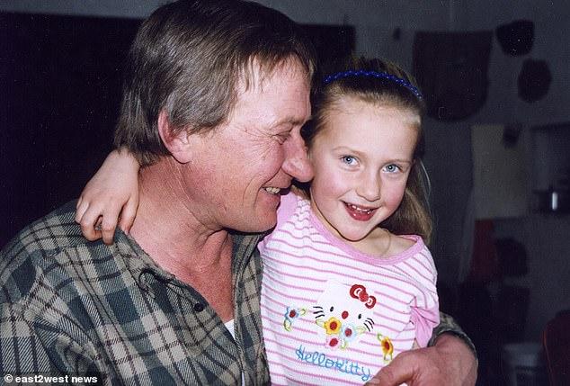 Η Μαρίκα και ο μπαμπάς της, πυροσβέστης στο Τσέρνομπιλ που αρνήθηκε να αφήσει το σπίτι του