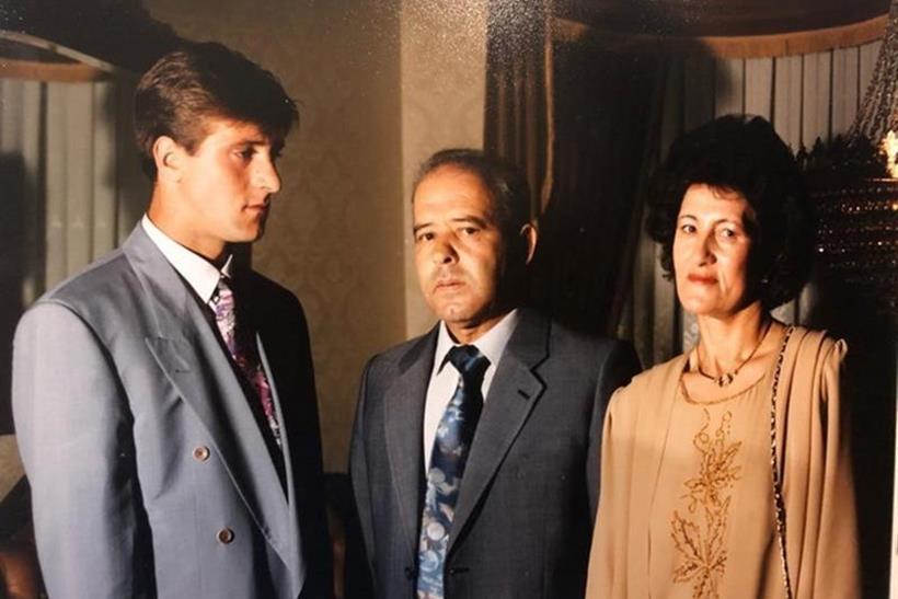 Οι γονείς του και αριστερά ο Πέδρο Μαρτίνς