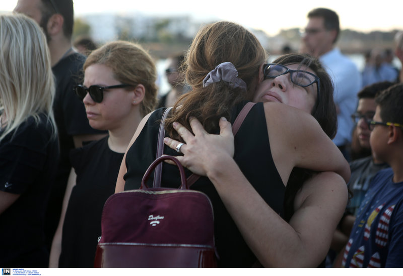 Αφόρητος ο πόνος για τους συγγενείς των θυμάτων.
