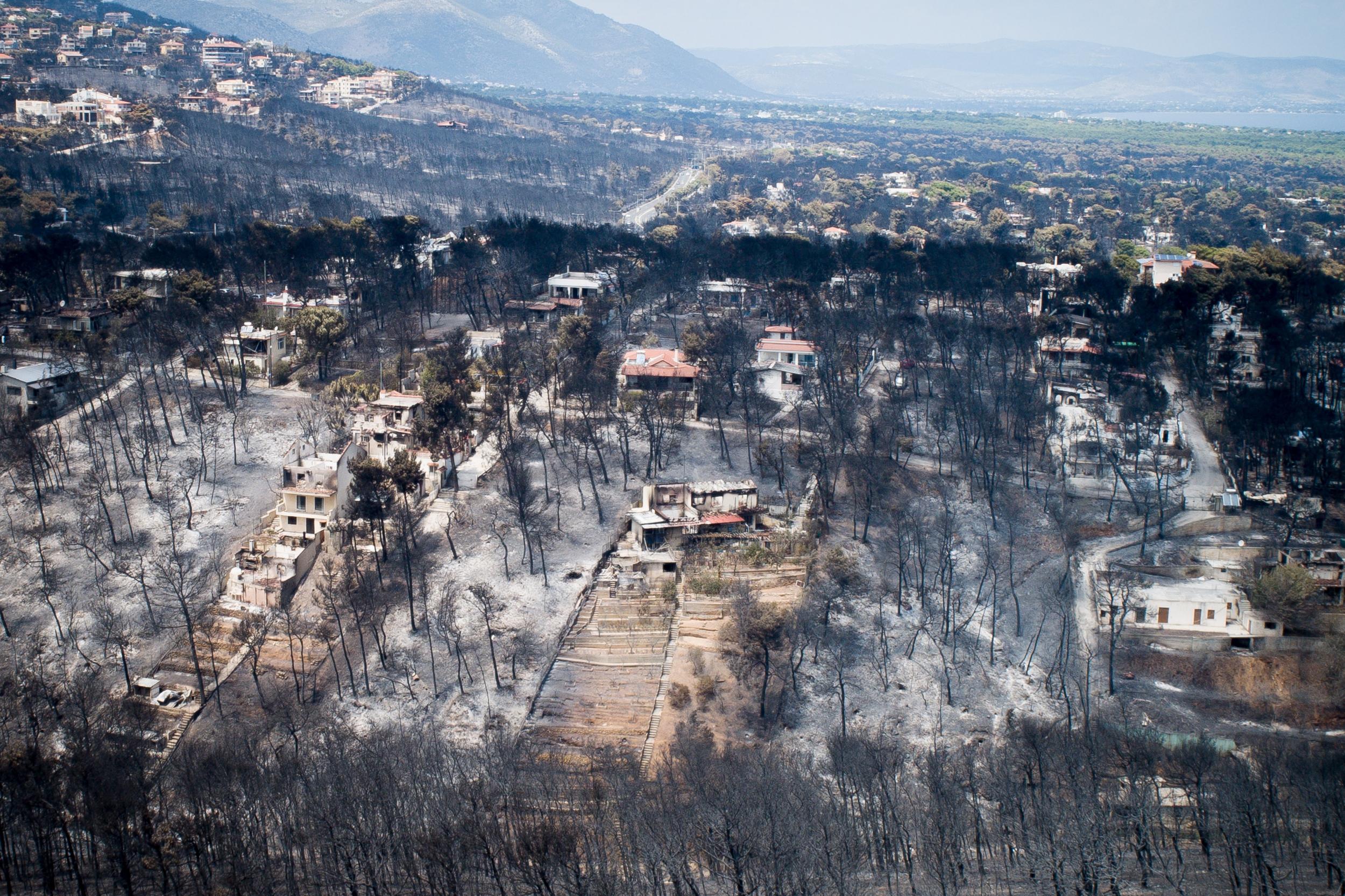 Το Μάτι από ψηλά μετά τη φονική πυρκαγιά