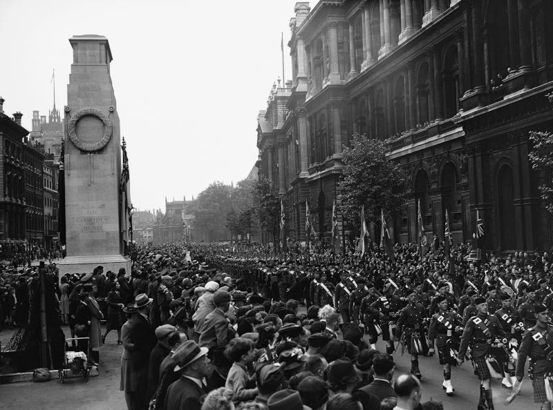Πρωτομαγιά στο Λονδίνο του 1942