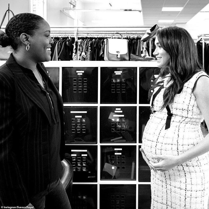Η έγκυος Μέγκαν Μαρκλ συζητά