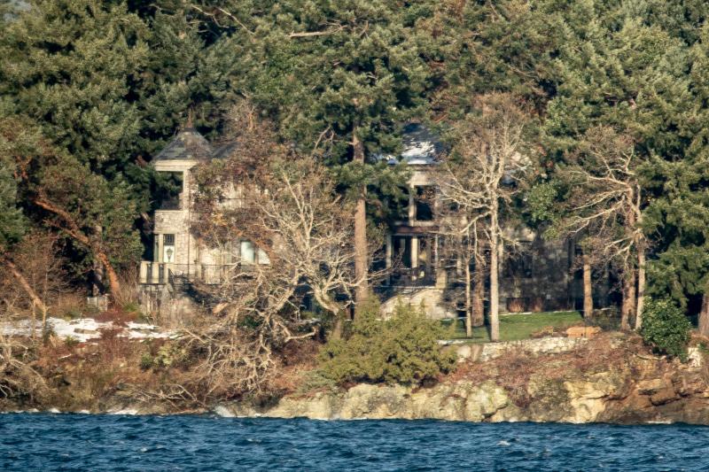 Το σπίτι όπου, προς το παρόν, διαμένουν Μέγκαν Μαρκλ και Άρτσι, εν αναμονή του πρίγκιπα Χάρι/Φωτογραφία: Splash News