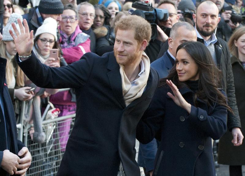 Από σήμερα, ο πρίγκιπας Χάρι και η Μέγκαν Μαρκλ παύουν να είναι royals