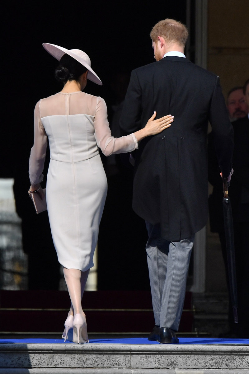 Μέγκαν Μαρκλ και πρίγκιπας Χάρι, πλάτη