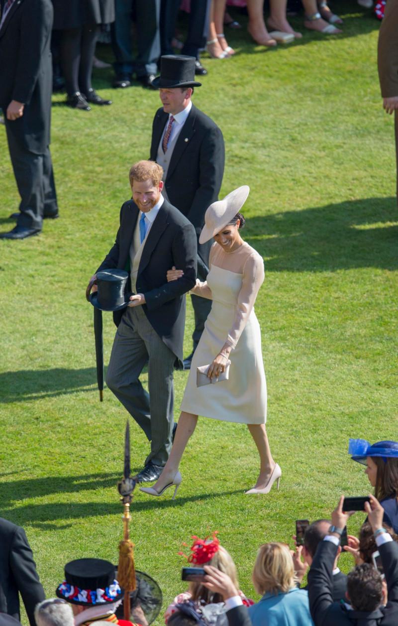 Ο πρίγκιπας Χάρι και η Μέγκαν Μαρκλ στο πάρτι για τα 70α γενέθλια του πρίγκιπα Καρόλου