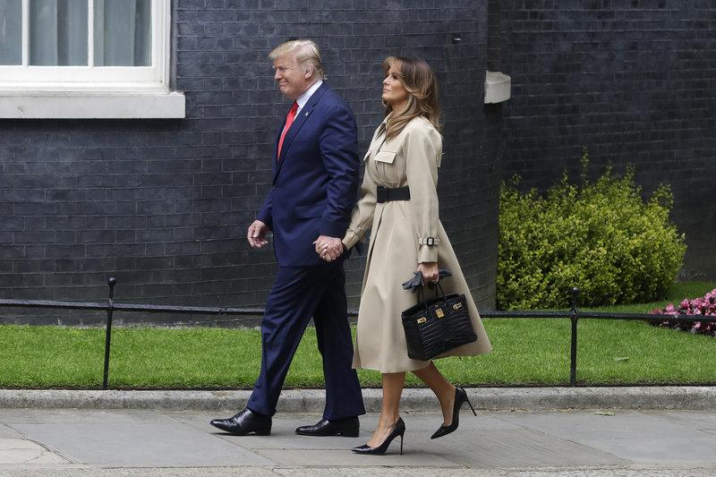 Ντόναλντ και Μελάνια Τραμπ στο Λονδίνο στη Ντάουνινγκ Στριτ