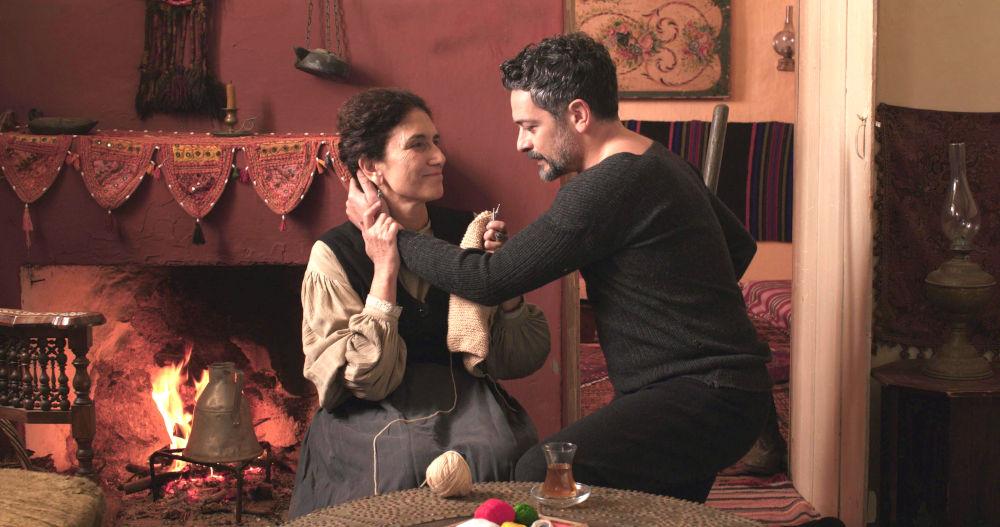 Ο Αλή και η Μελικέ σε σκηνή από τη σειρά «Κόκκινο Ποτάμι»