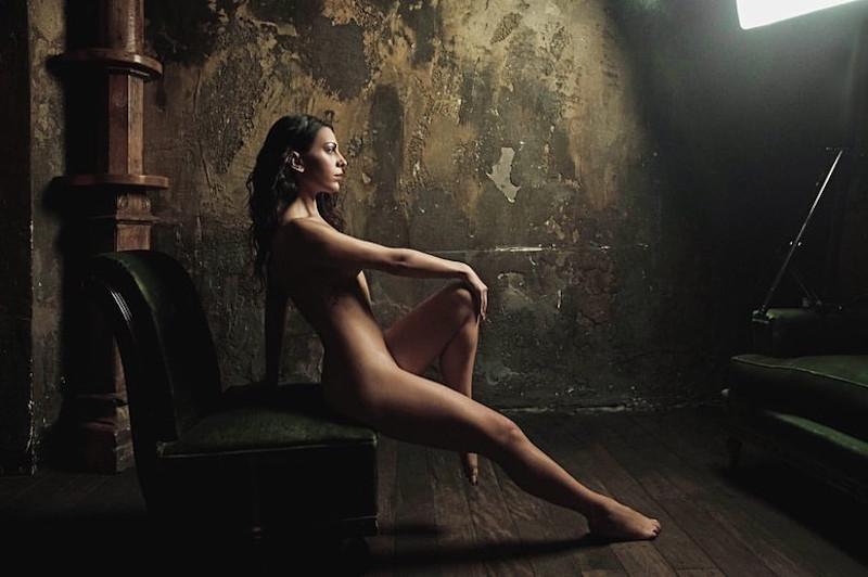 Η ηθοποιός Αννα Μενεκάκου γυμνή