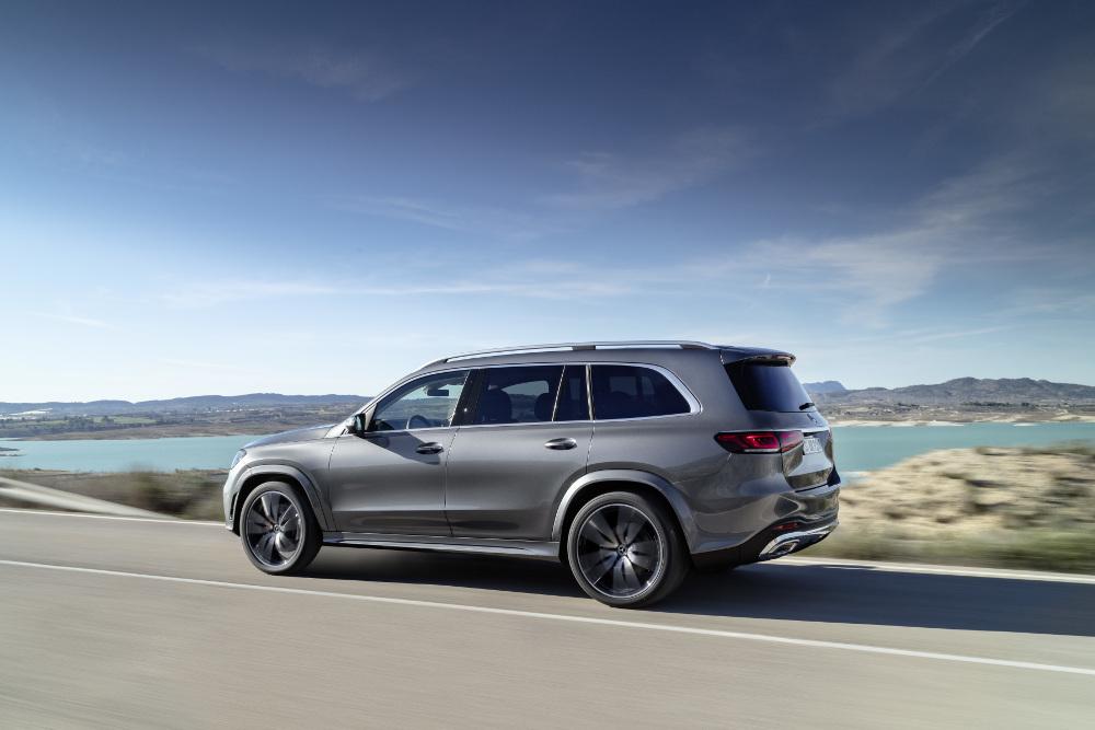 Tο μεταξόνιο στη νέα Mercedes έχει αυξηθεί περαιτέρω σε σχέση με αυτό της προηγούμενης GLS