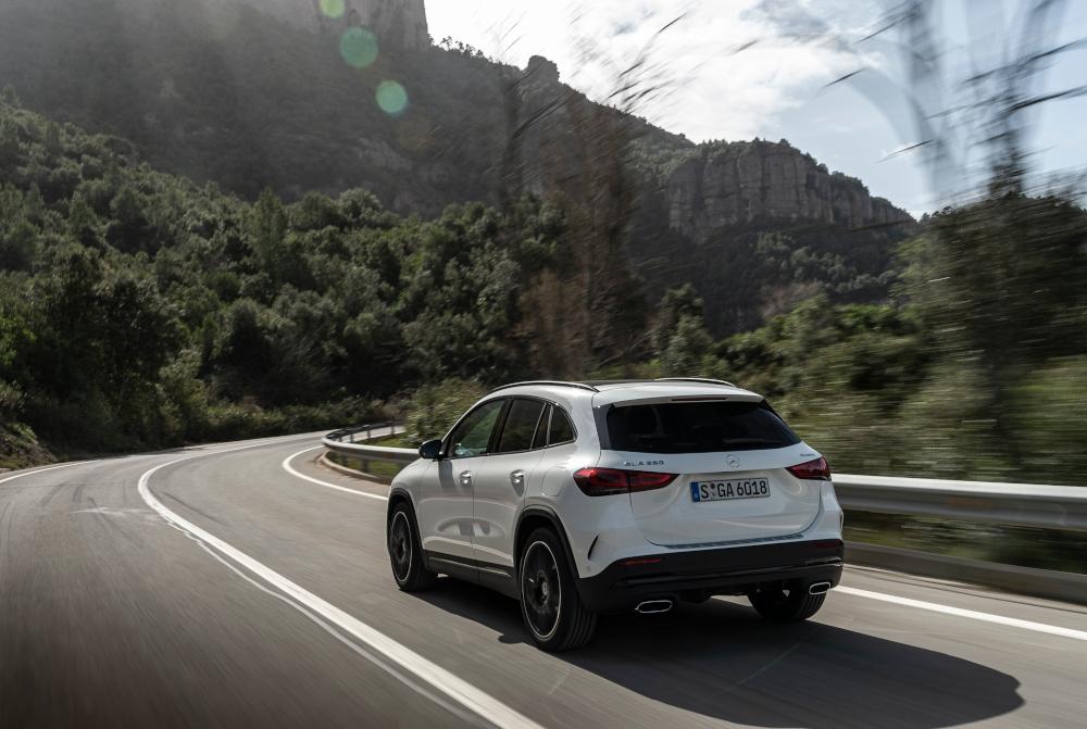 Πόσο στοιχίζει η πιο προσιτή Mercedes GLA στην Ελλάδα;