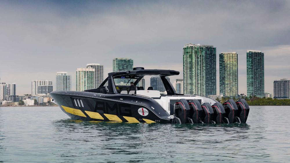 Με έξι κινητήρες και 2.700 ίππους το νέο σκάφος της Mercedes AMG