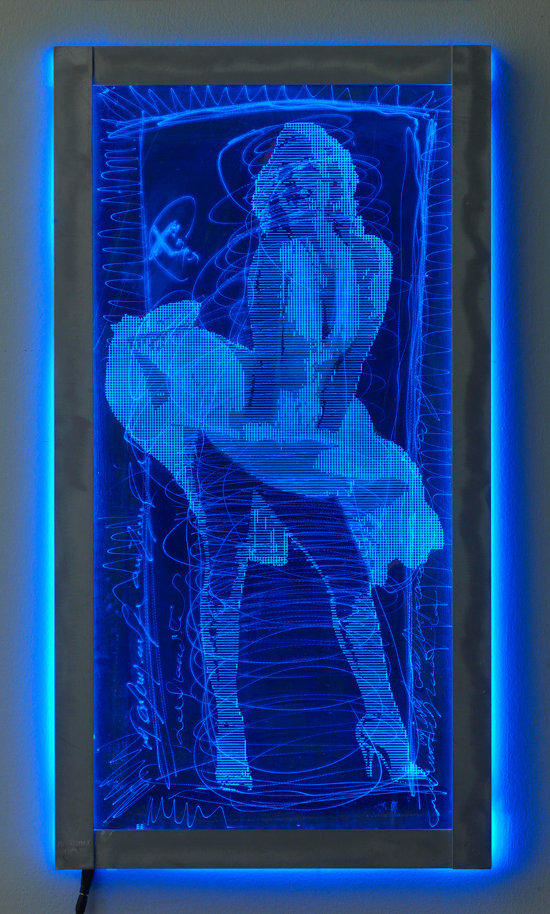 H Mεριλιν Μονρόε στα μπλε με πλεξιγκλας