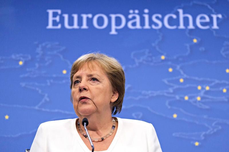 Οχι σε μέτρα για να αντιμετωπίσει ενδεχόμενη ύφεση λέει η  Μέρκελ