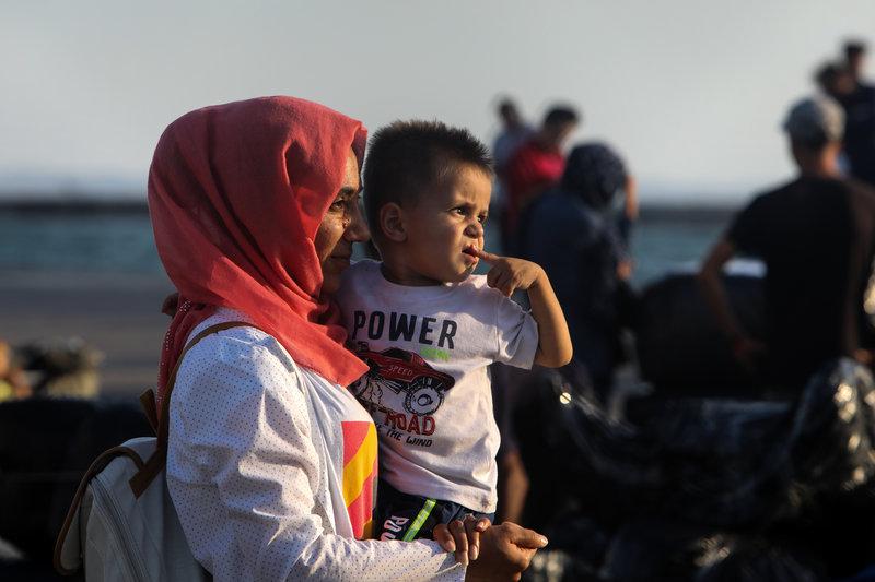 Στη Νέα Καβάλα οι πρώτοι πρόσφυγες από τη Μόρια (φωτό-βίντεο) 9