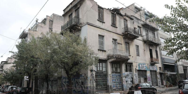 Το εγκαταλελειμμένο κτίριο στο Μεταξουργείο