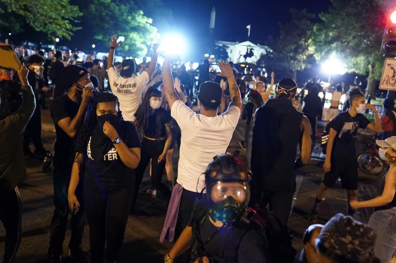 Διαδηλωτές στους δρόμους