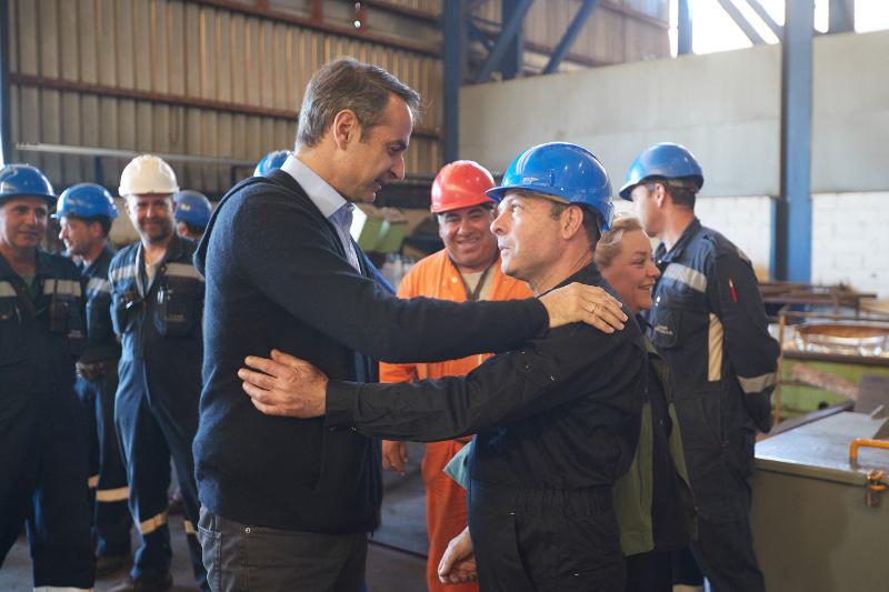 Ο Μητσοτάκης στην περιοδεία του στην Χαλκίδα