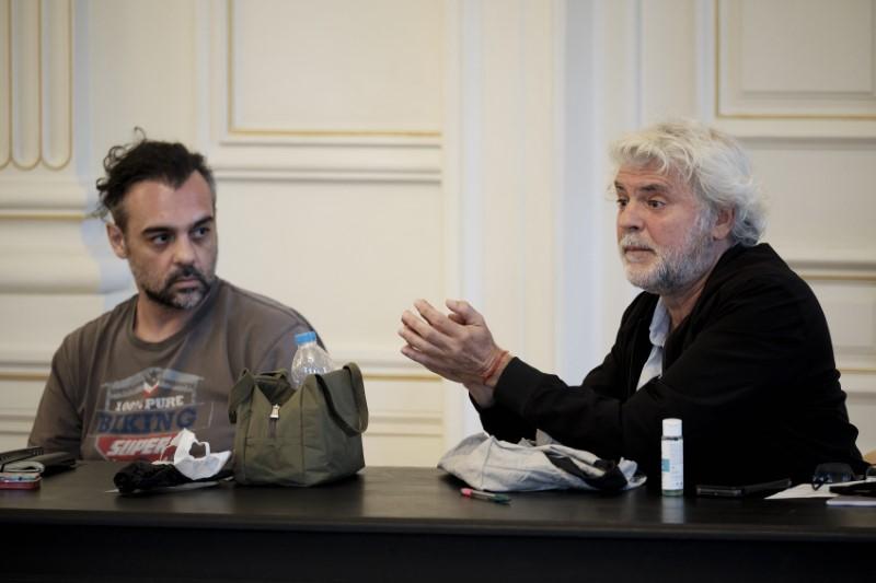 Ο κ. Μητσοτάκης δεσμεύτηκε ότι τόσο ο ίδιος όσο και η κυβέρνηση θα βρίσκονται σταθερά δίπλα στους ανθρώπους της τέχνης
