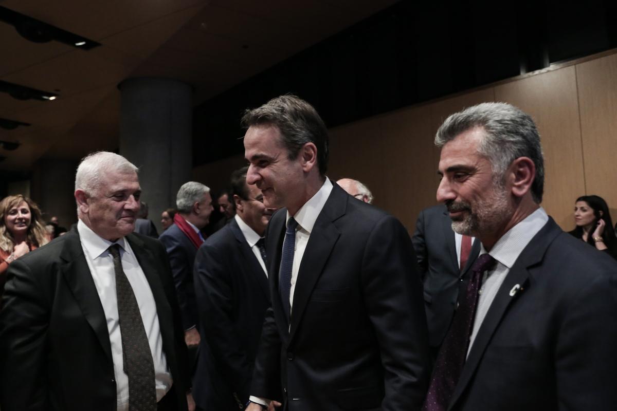 Από αριστερά: Δημήτρης Μελισσανίδης, Κυριάκος Μητσοτάκης και Κων. Ζέρβας στην εκδήλωση για την Γενοκτονία των Ποντίων