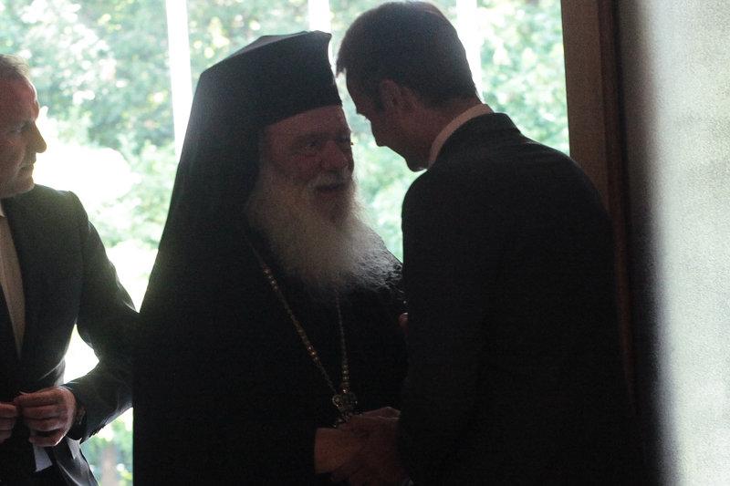 Ο Κυριάκος Μητσοτάκης με τον Αρχιεπίσκοπο Ιερώνυμο