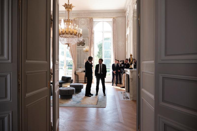 Μητσοτάκης - Μακρόν στο γραφείο του Γάλλου πρόεδρου -