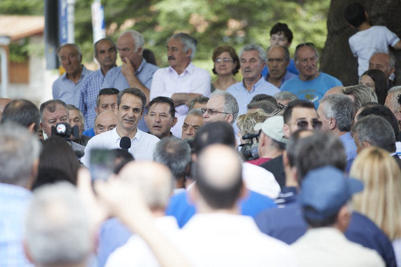 Πλήθος κόσμου στην ομιλία Μητσοτάκη στο Μέτσοβο-