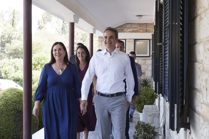 Μητσοτάκης: Η Ελλάδα έχει πλέον ένα σύγχρονο και διαφανές σύστημα αναδοχής και υιοθεσίας   ΠΟΛΙΤΙΚΗ