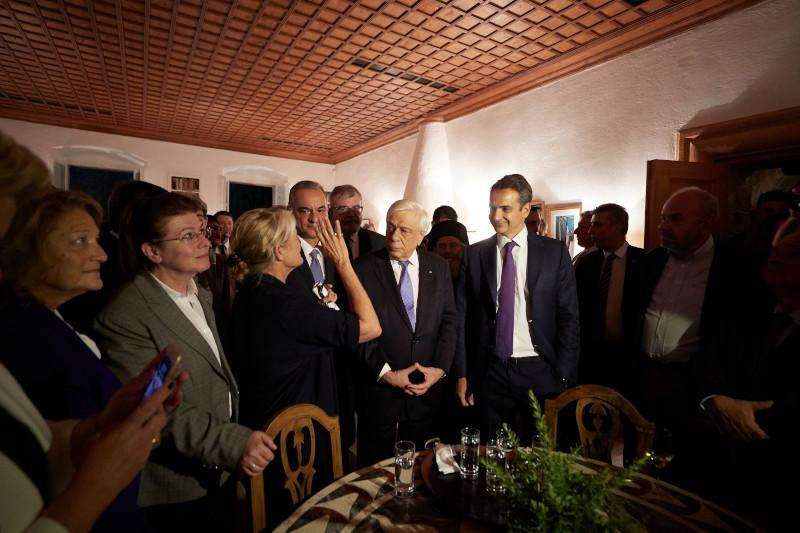 Ο πρωθυπουργός στην οικία του Πάτρικ Λι Φέρμορ