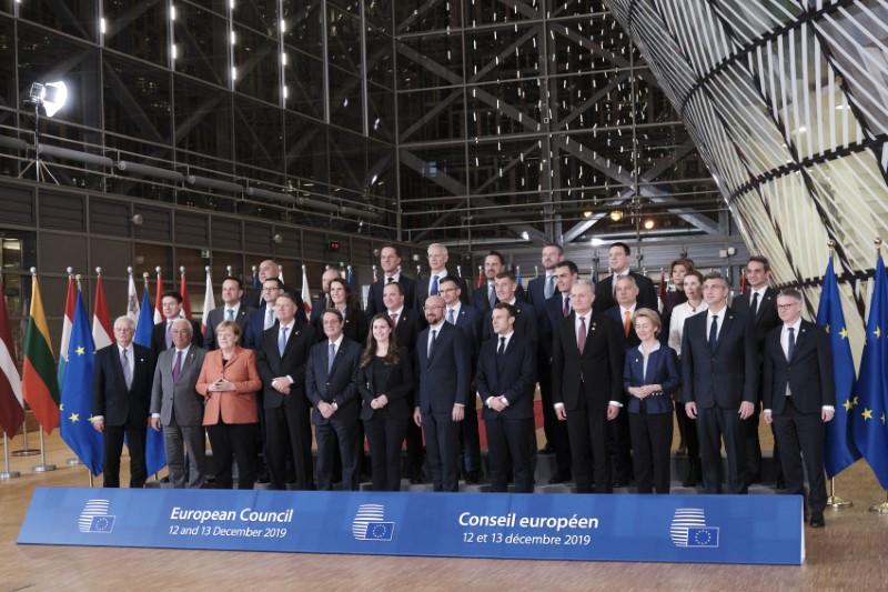 Η οικογενειακή φωτογραφία των «27» της ΕΕ