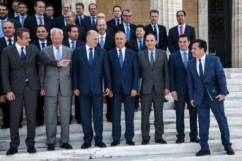 Η φωτογραφία του νέου υπουργικού Συμβουλίου
