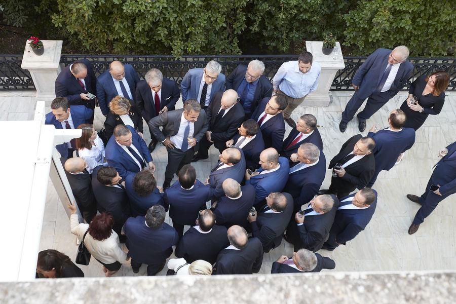 Συνάντηση Μητσοτάκη με 80 περίπου πρωτοεκλεγέντες βουλευτές της ΝΔ