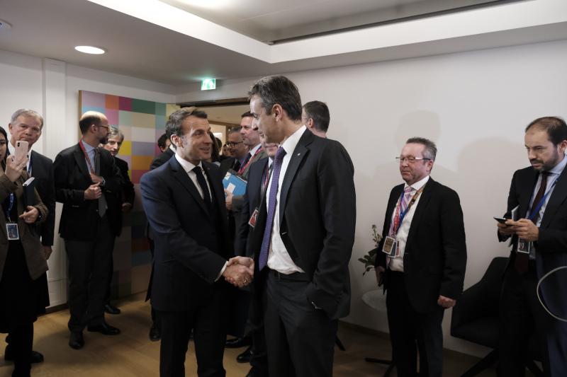 Ο Κυριάκος Μητσοτάκης με τον Γάλλο πρόεδρο Εμανουέλ Μακρόν