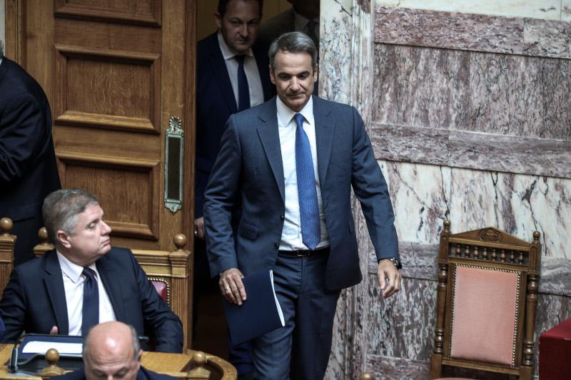 Ο Κυριάκος Μητσοτάκης μπαίνει στην Ολομέλεια της Βουλής