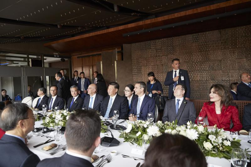 Στο γεύμα προς τιμήν του προέδρου της Κίνας