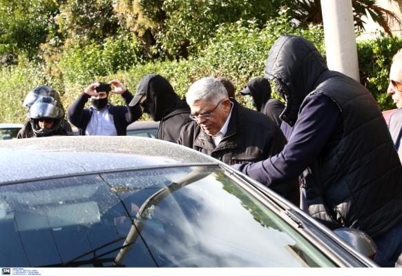 Σύλληψη του Ν. Μιχαλολιάκου στο σπίτι του στην Πεύκη-