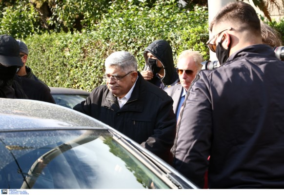 Σύλληψη του Ν. Μιχαλολιάκου στο σπίτι του στην Πεύκη