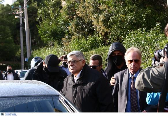 Σύλληψη του Ν. Μιχαλολιάκου στο σπίτι του στην Πεύκη-Φωτογραφία: Intimenews/ΣΤΕΦΑΝΟΥ ΣΤΕΛΙΟΣ