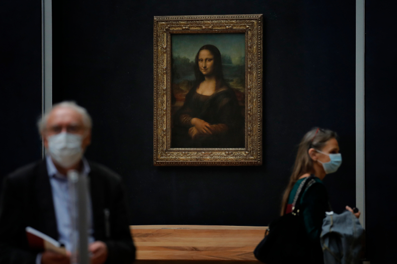 Με μέτρα προστασίας και αποστάσεις θα μπορούν οι επισκέπτες να θαυμάσουν την «Μόνα Λίζα»