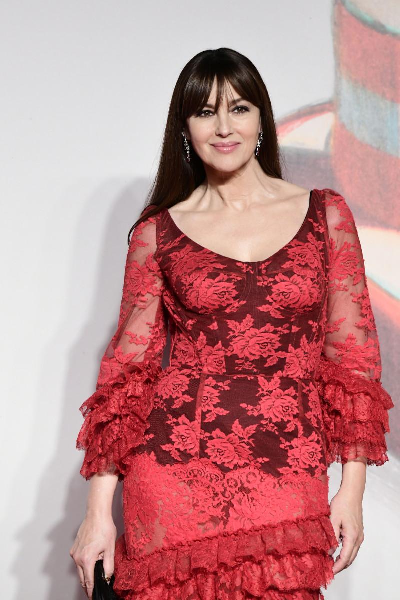 Μόνικα Μπελούτσι Φεστιβάλ Βενετίας 2019 κόκκινο φόρεμα διαφάνειες