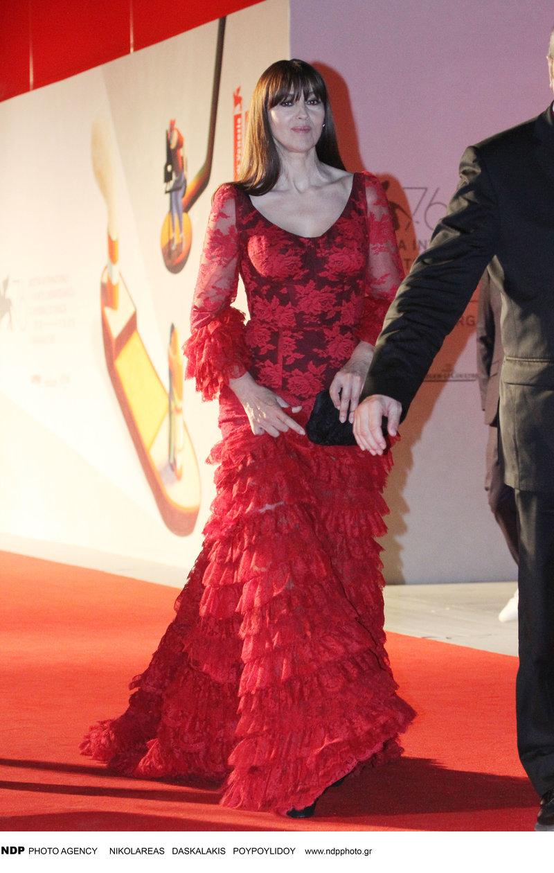 Μόνικα Μπελούτσι Φεστιβάλ Βενετίας 2019 κόκκινο φόρεμα